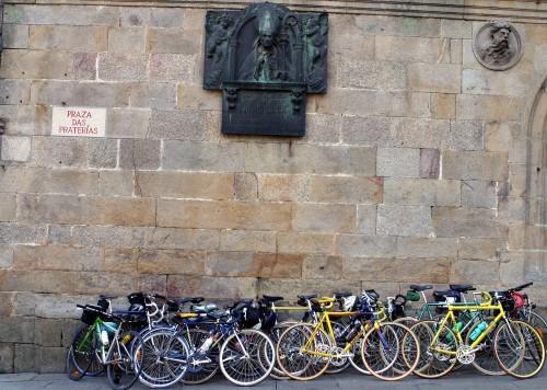 Bicicletas en la plaza de las Platerías