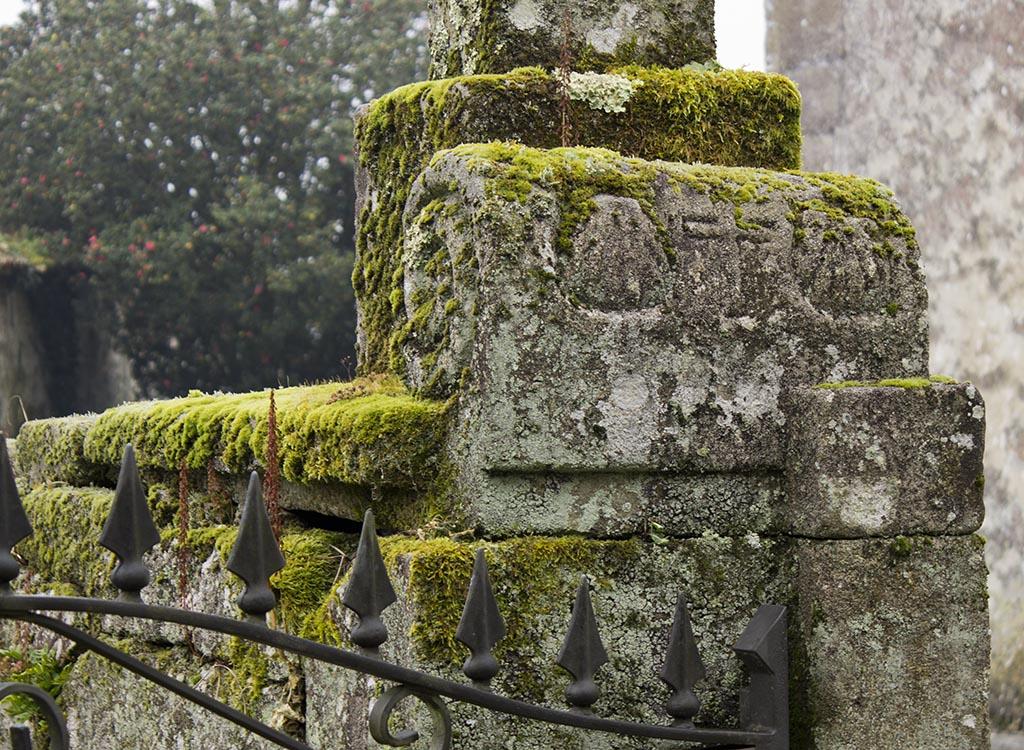 piedra con grabados